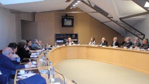 """Conférence de M. Roger Dehaybe sur """"La francophonie dans le monde : espoirs et interrogations"""" (mars 2011)"""